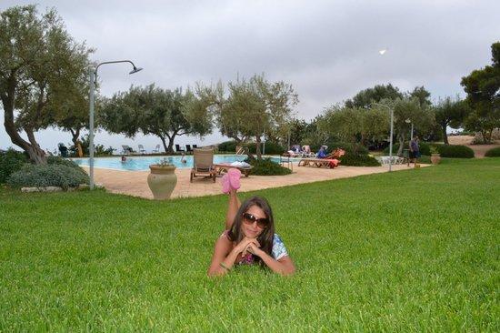 Vista della piscina con giardino foto di avola antica - Agriturismo avola con piscina ...