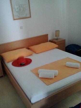 Villa Vrbat : Bedroom