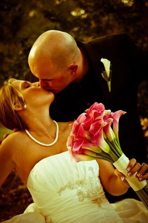 Sweet Magnolia Inn Bed and Breakfast: We Love our Wedding Couples!!!