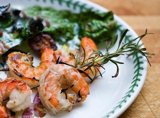 Sweet Magnolia Inn Bed and Breakfast: Rosemary Shrimp Skewers..ummmm