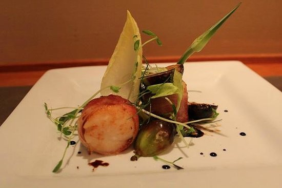 The Heights Restaurant and H Bar: Caramelized Sea Scallops