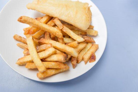 Olde Tyme Fish & Chips : Light battered cod & fries