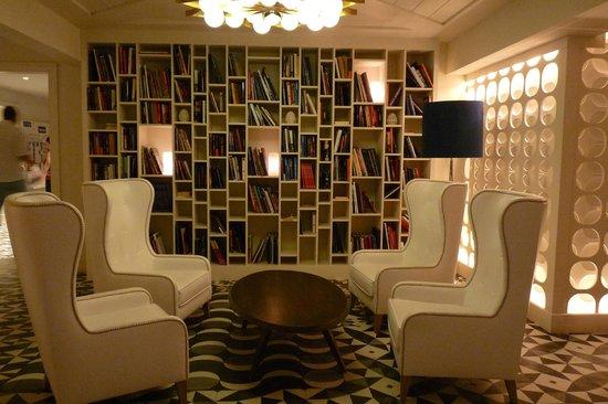 H10 Vintage Salou : Library