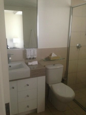 BEST WESTERN PLUS Cairns Central Apartments: Bathroom