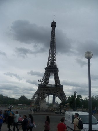 Trocadero: across to the tower