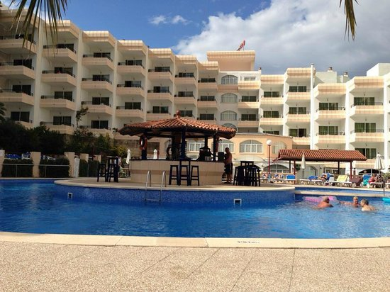 Sol Lunamar Apartments: Pool