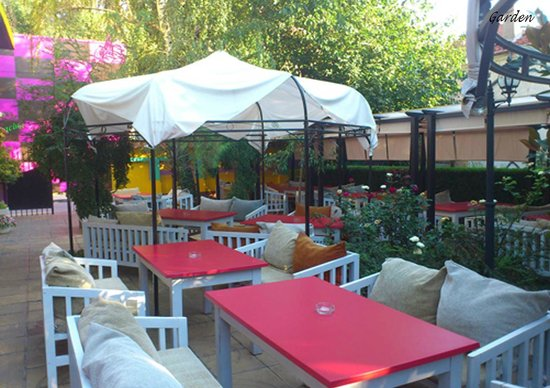 Hotel Color: Garten
