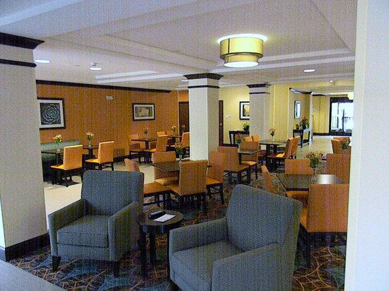 Holiday Inn Express & Suites Selinsgrove : Great Room