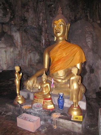 Khao Pun Cave: Buddha in einer Seitenhöhle