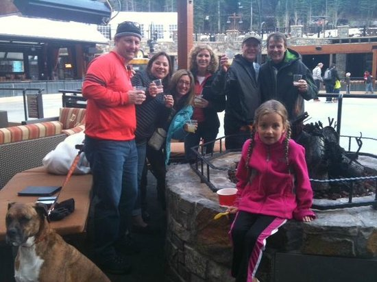 Iron Horse - Tahoe Mountain Lodging : Marshmallows at one of the rink-side fire pits