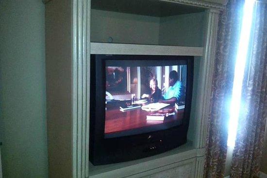 WorldQuest Orlando Resort : In room TV