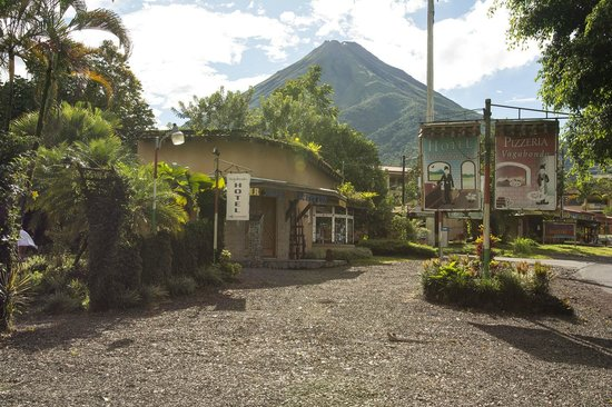 Photo of Hotel Vagabondo La Fortuna