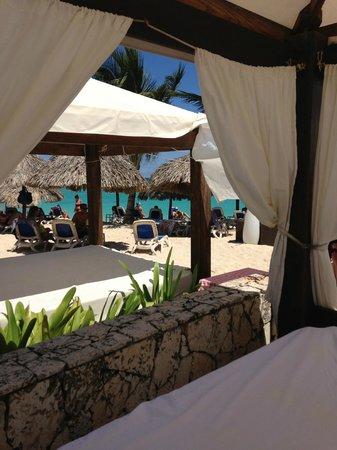 Majestic Elegance Punta Cana: Bali beds