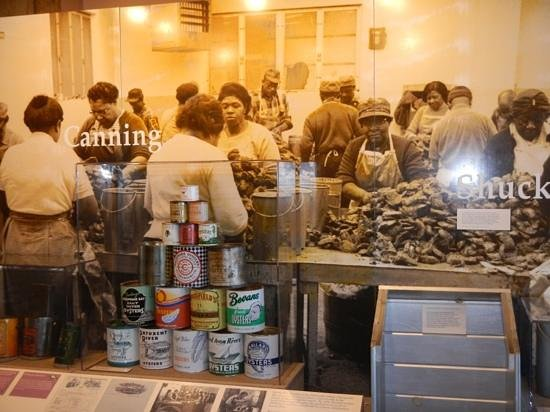 Chesapeake Bay Maritime Museum: canning the oysters in the old days