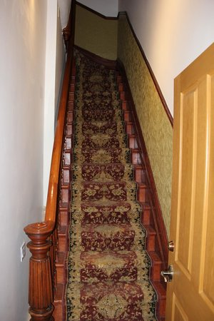 Victorian Heritage: The staircase is steep. Staff help with bags, but visitors must negotiate.