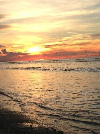 Gili Life Homestay: sunset!