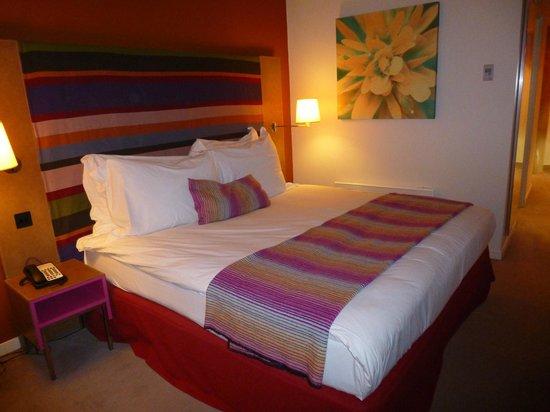 Radisson Blu Hotel, Birmingham: Bed