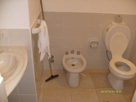 Motel A.C.A. Cipolletti: Baño