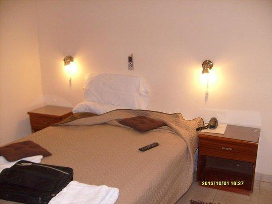 Motel A.C.A. Cipolletti: Dormitorio