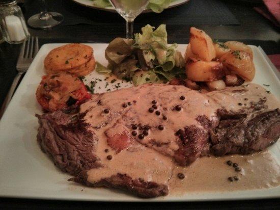 L'Oustal : Entrecôte sauce au poivre