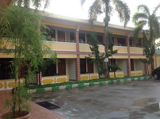 Hotel Danau Raja : rooms
