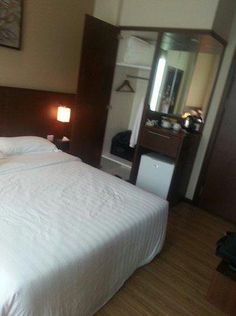 Roomz Hotel: ルーム
