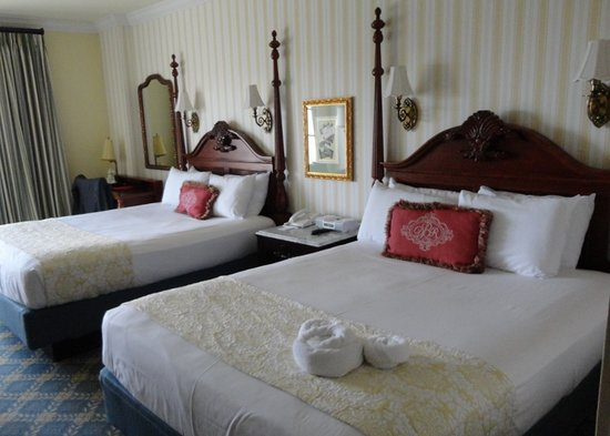 Disney's BoardWalk Inn : nice room, basic hotel