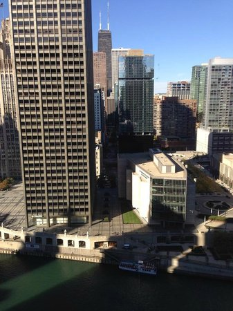 Hyatt Centric Chicago Magnificent Mile: River view from the 6th floor room