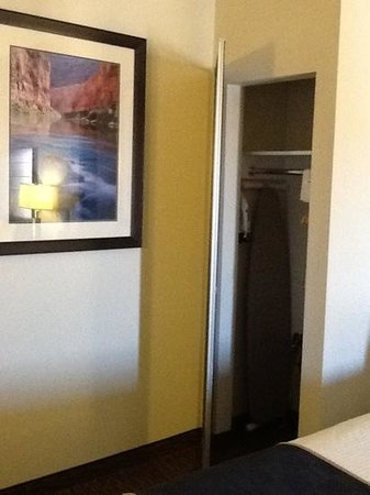 Days Inn & Suites Page Lake Powell : Closet with iron/ironing board