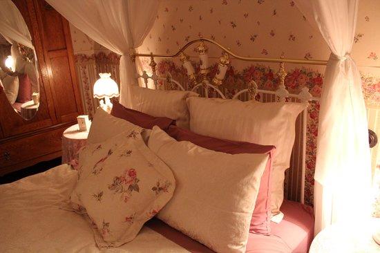 Lisburn House: Rose Room