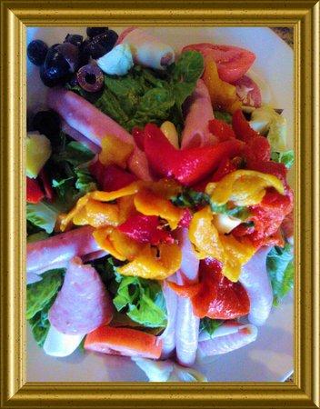 Villa Rosano: Wonderful colorful cold antipasto