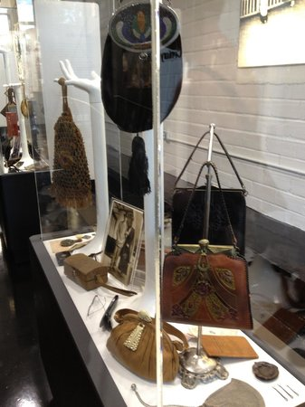 One of the displays at the Esse Purse Museum.  LOVE it!!!