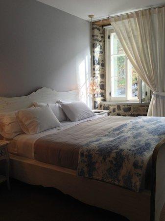 Auberge Place D'Armes : Room 2