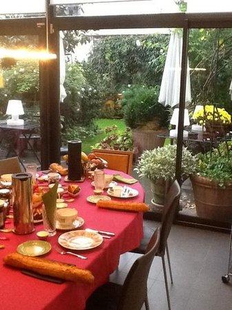 La Villa Perier : garden view