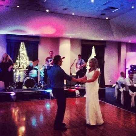 Radisson Blu Hotel & Spa, Limerick: Wedding party