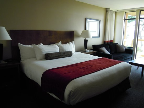 Best Western Tin Wis Resort: Comfortable bed.