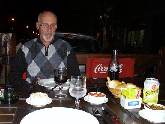 Parrillada El Porton : cenando