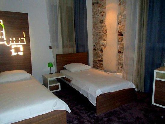 Hotel Slavija bedroom