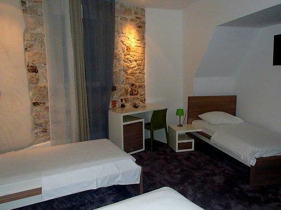 Hotel Slavija bedroom (alternate view)