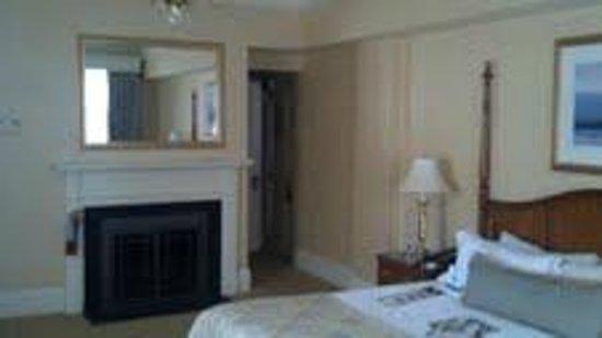 Lenox Hotel : Corner room