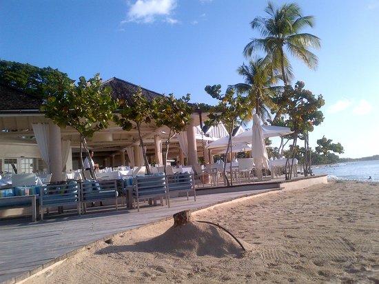 Rendezvous Resort: restaurant