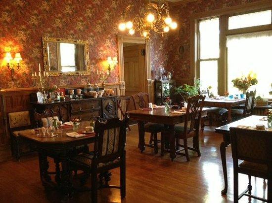 1890 Williams House Inn: Breakfast Room