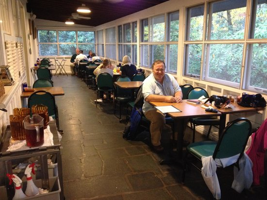 Mabry Mill Restaurant: Tables on the enclosed porch