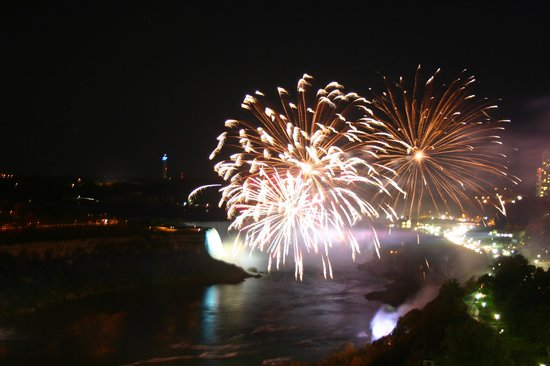 Sheraton on the Falls: Friday's Fireworks