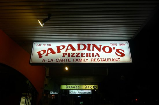 3 Sisters Motel: PapaDino's Pizzeria - very delicious Italian food in town!