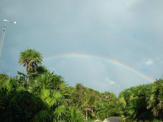 Almaplena Eco Resort & Beach Club: Nos recibieron con un arcoiris