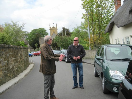 CJP Cotswold Tours: Chatting with the friendliest guy in the Cotswolds.