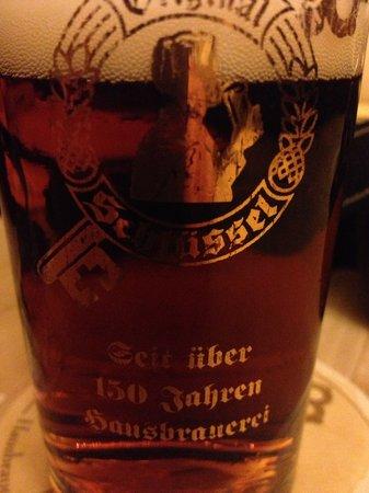 Hausbrauerei Zum Schlussel : Cerveza