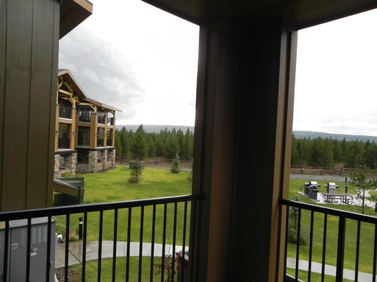 WorldMark West Yellowstone: Good views from the large covered deck.