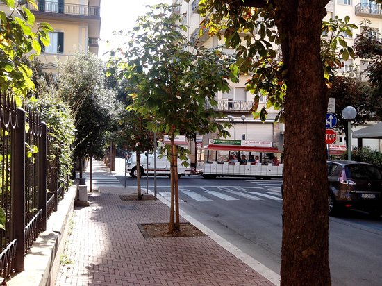 Hotel Biondi : Small train